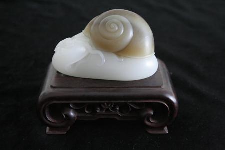 蜗牛玉雕图片_玉雕蜗牛摄影图