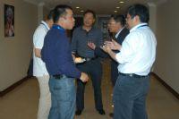 会议茶歇期设备商和采购商探讨