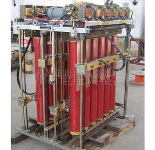 三相电动柱式调压器