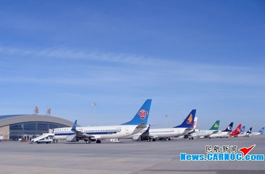 西安,兰州等地飞往乌鲁木齐的9个航班先后备降敦煌