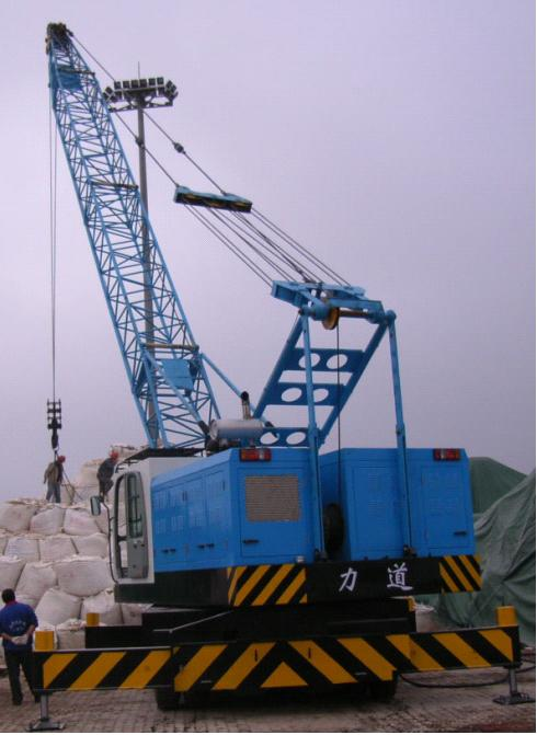 LQD50A型25t级港口轮胎起重机