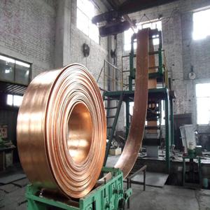 超宽铜带坯上引连铸机