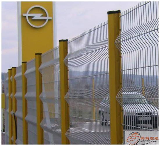 道路护栏网、高速护栏网、道路中间护栏