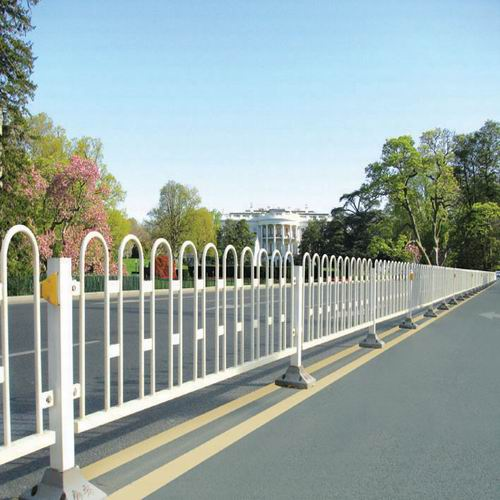 pvc塑钢护栏、新型护栏网加工