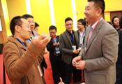 代表积极与青岛远洋刘总交流意见