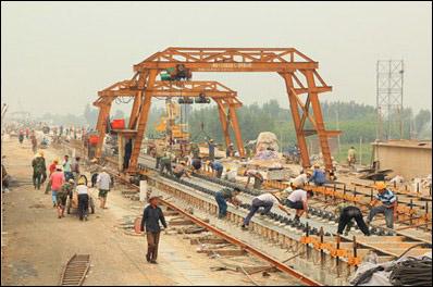 大西铁路无砟轨道施工再取进展