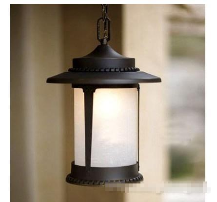 ·门灯:庭院出入口与园林建筑的门上安装的