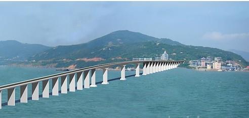 001公里,建成后与渔平高速公路,平潭海峡大桥形成双向六车道高速公路.