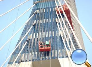 桥梁主塔与上锚头检修车