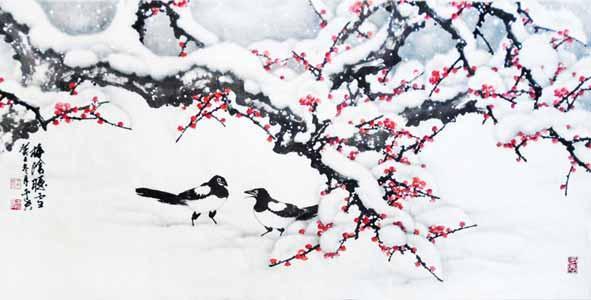 """画着竹、梅和和两只喜鹊的为""""竹梅双喜""""吉祥图,其中竹喻丈夫、梅喻妻子,适合于新婚夫妻挂的。"""